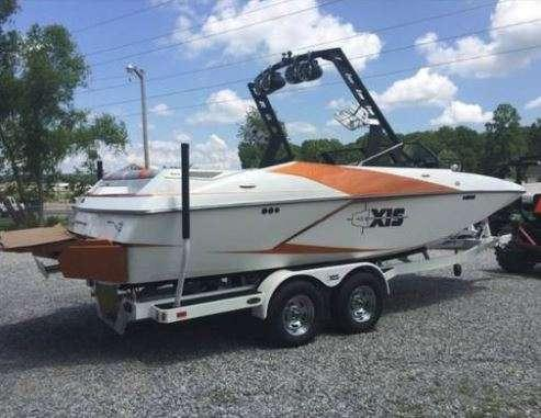 2015 Axis A22 22' Wakeboard/Surf Boat photo