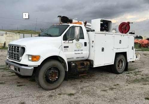 2002 Ford F650  photo