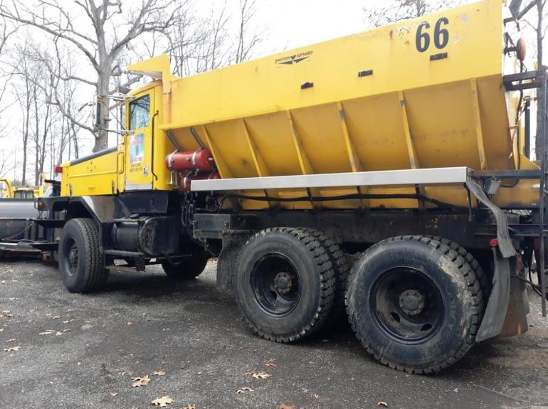 1997 OshKosh P2546 SP Plow Truck photo