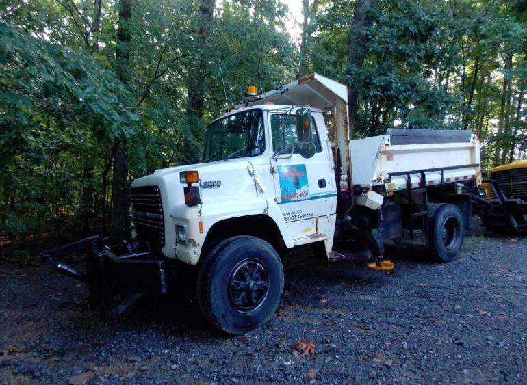 1992 Ford L8000 Plow Truck photo