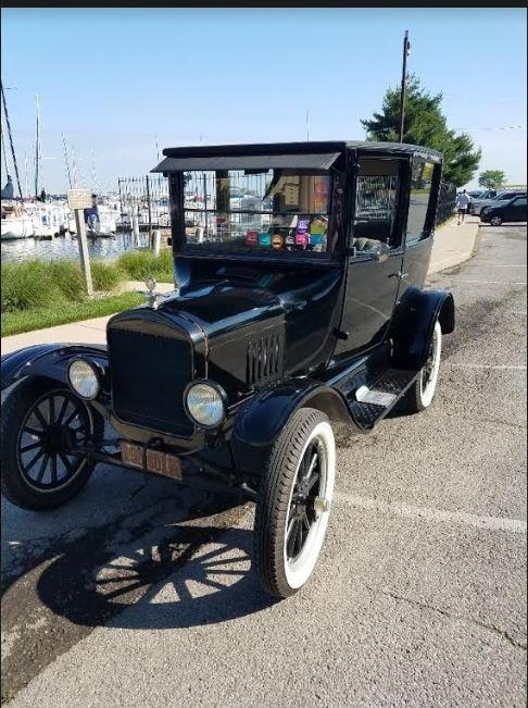 1925 Ford Model T Tudor photo