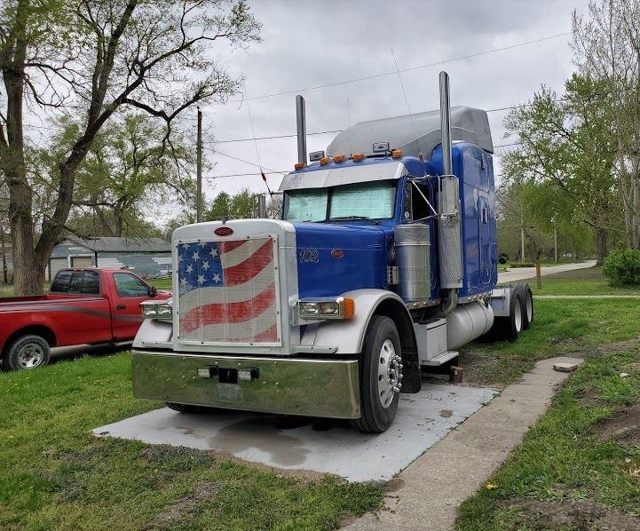 1999 Peterbilt 379 Single Turbo Conventional Sleeper Semi photo