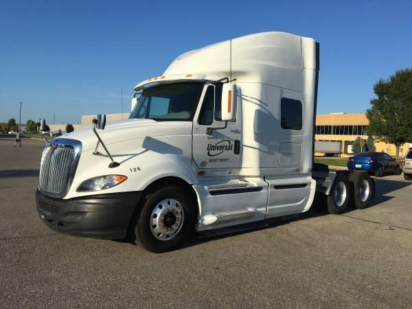 2011 International ProStar Premium Conventional Sleeper Semi photo