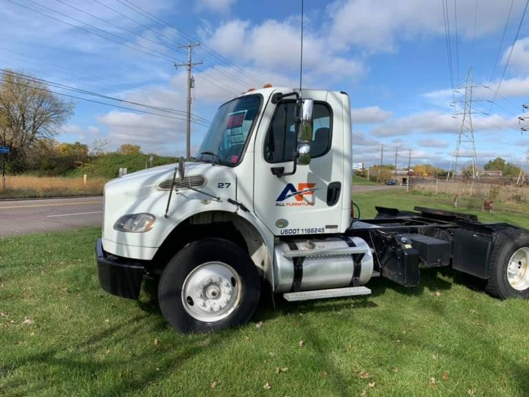 2012 Freightliner M2  photo