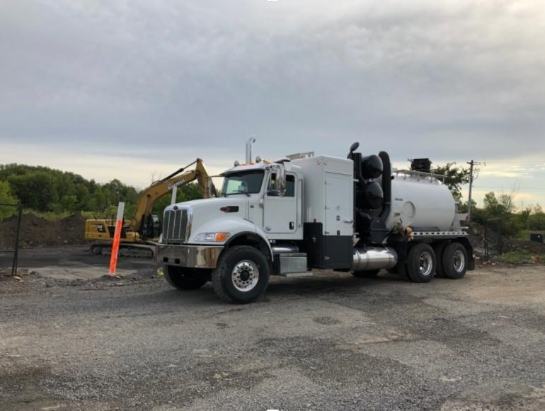 2019 Peterbilt Tornado F3 Eco-Lite Hydro Vac Truck photo